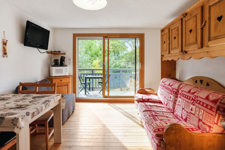 Studio in Les Deux Alpes , with wonderful mountain view and balcony