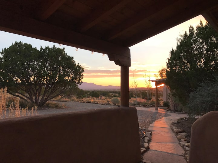 BlueDoor Casita-historic Galisteo-no cleaning fees