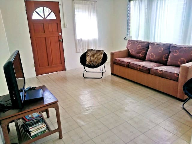 Lovely, Spacious 3 Bedroom Apartment in Waikea
