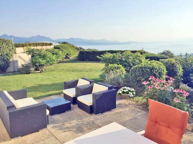 Appartement de 2 pièces avec terrasse et jardin