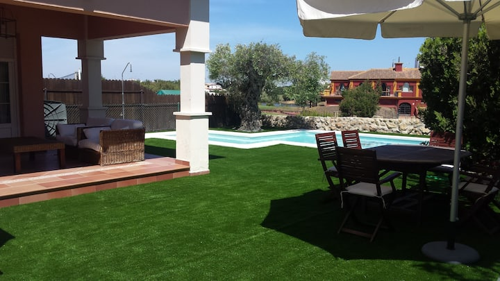 Casa con piscina privada en Matalascañas