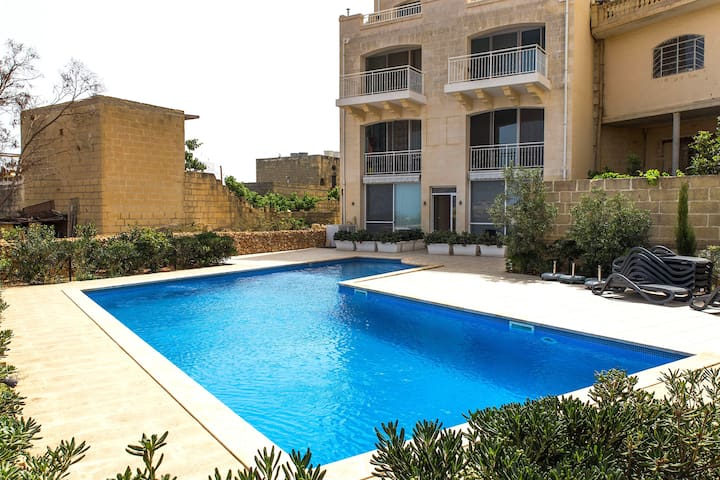 New 3½ room Apartment! Pool, Terrace, near Beach!