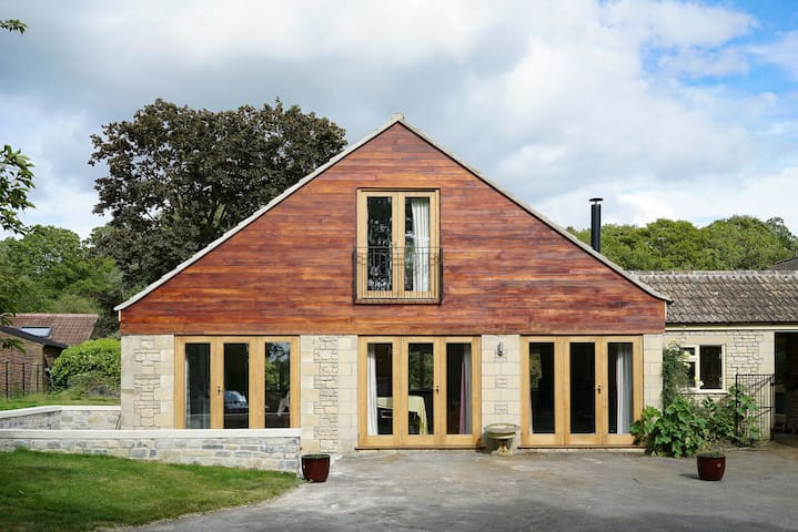 Tranquil,  converted barn annex, spectacular gdns