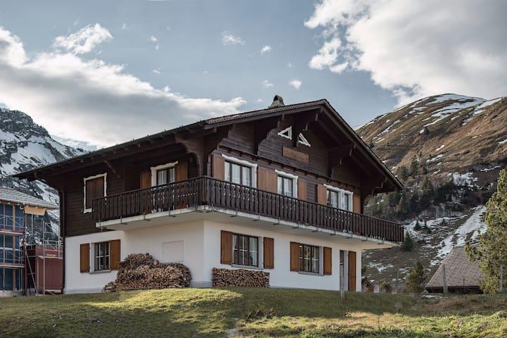 Charmante Chalet-Wohnung in autofreier Bergwelt