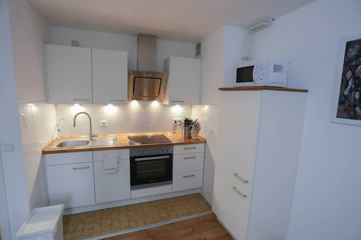 near Wuppertal central station - quiet & renovated