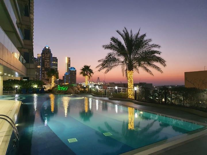 Full seaview room in luxury apt in Ocean Heights