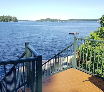 Lake Muskoka Waterfront Boathouse near Bracebridge