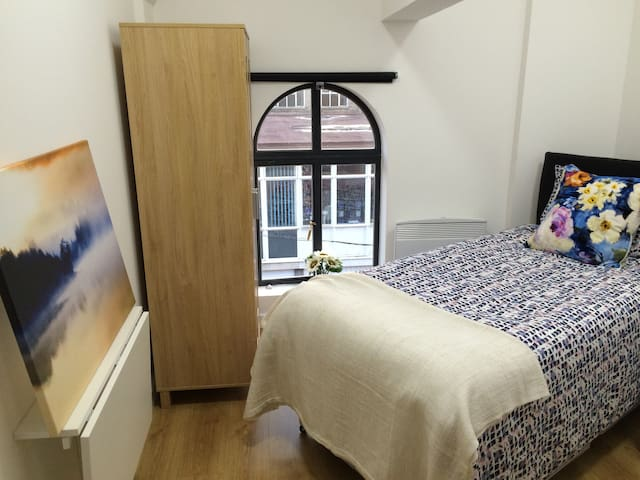 City Centre self contained single studio - Kidderminster - Daire
