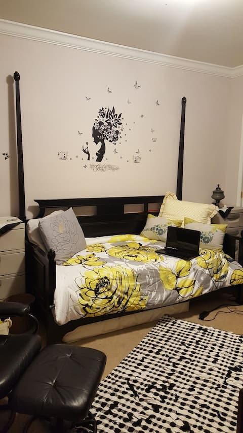 Just for You. Single Bed.(Clean)