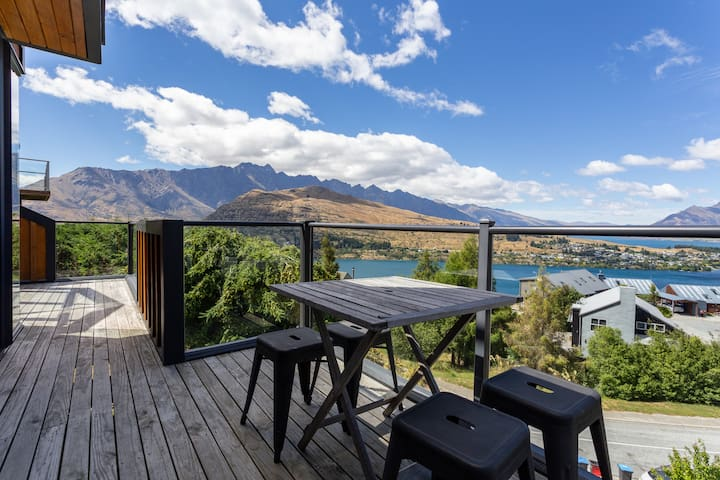 Our gorgeous balcony and simply stunning views!