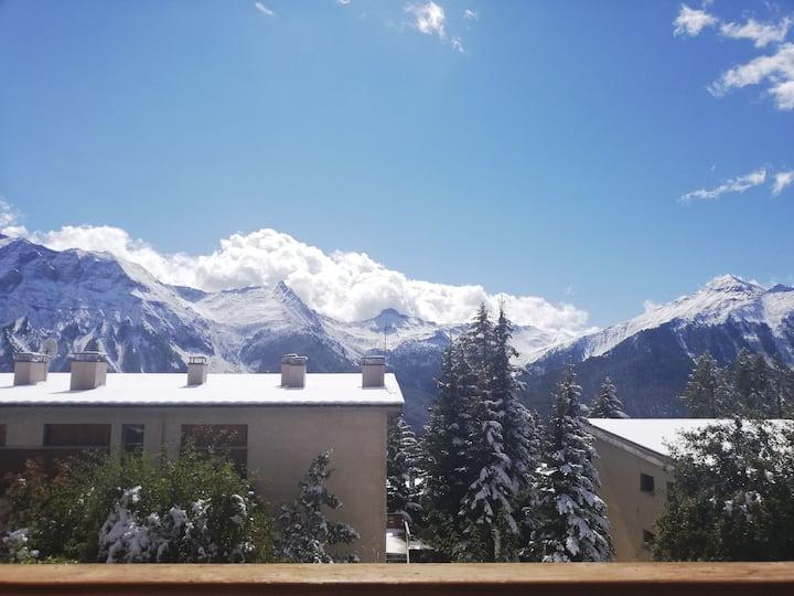 Appartement plein sud, 1 min commerces, 5 min ski.