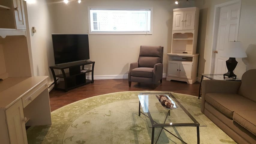 Spacious Two Bedroom with Sofa Bed! East End!