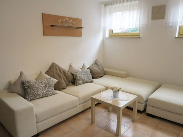 Pension ELLA - quiet central apartment with garden