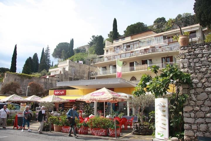Monolocale Taormina 2