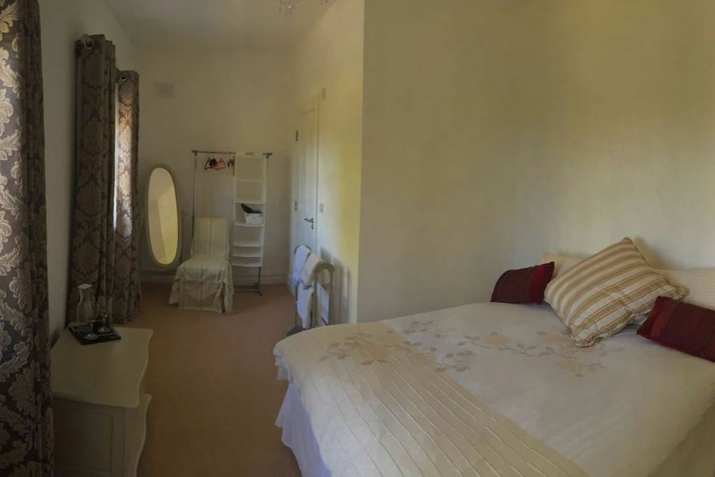 Lux room with cont breakfast chambres d 39 h tes louer for Chambre d hote luxembourg