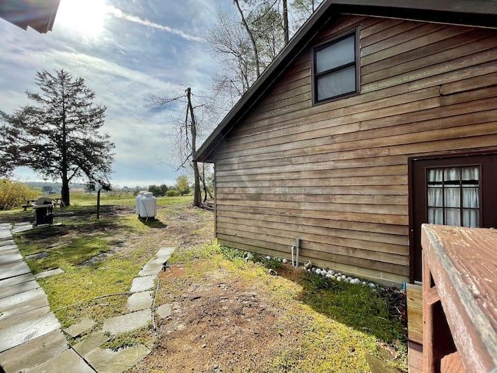 Captains Cottage - Comfortably accommodates 6