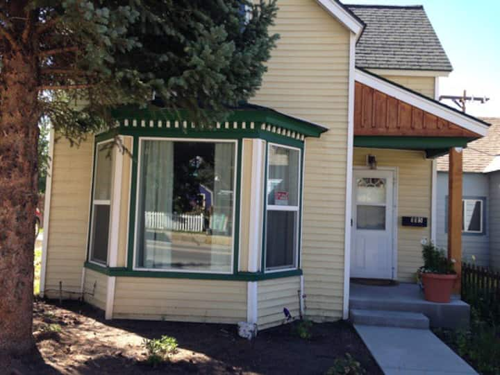 Cute 2 BR Victorian in Historic Downtown Leadville