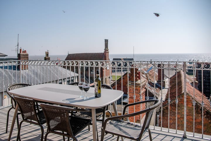 Aldeburgh Lookout Fabulous Holiday Let.. Sea Views