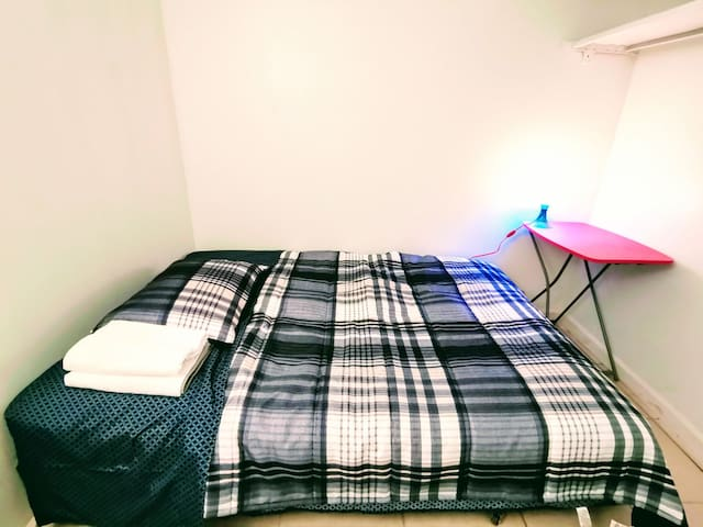 Clean Cozy basic setup bedroom, no window #7
