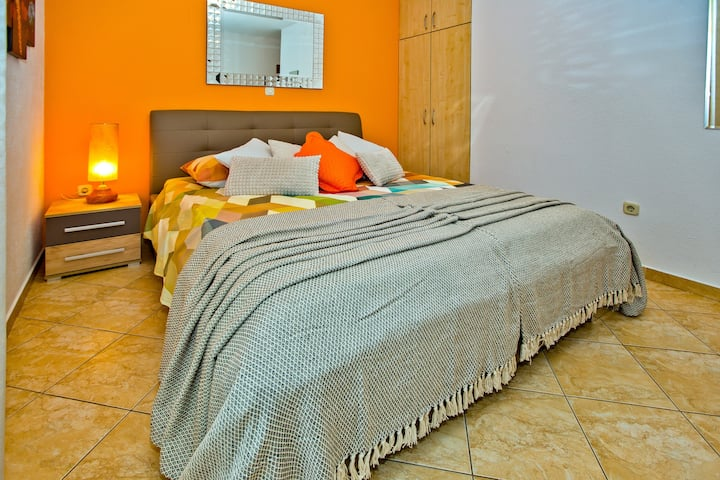 Designer Delight Room With Balcony Orange
