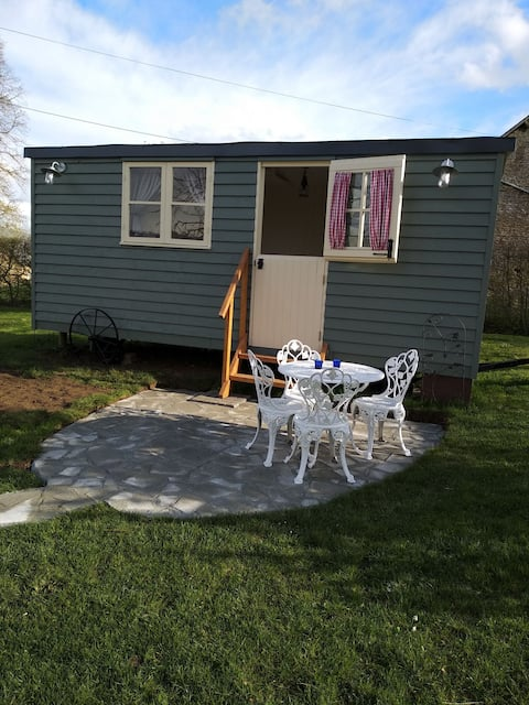 The shepherd's hut at Les Aulnaies