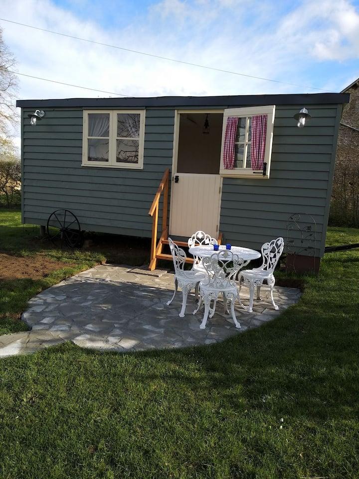 The shepherd's hut at Les Aulnaies