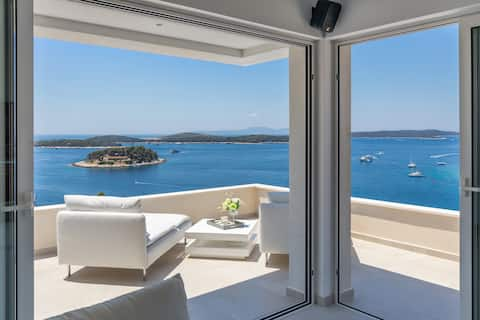 Pogled za milijon dolarjev, apartma v središču mesta Hvar!