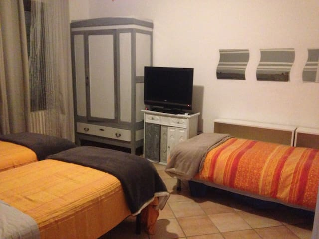 2 rooms with bathroom for 4/5 persons - Bergamo - House