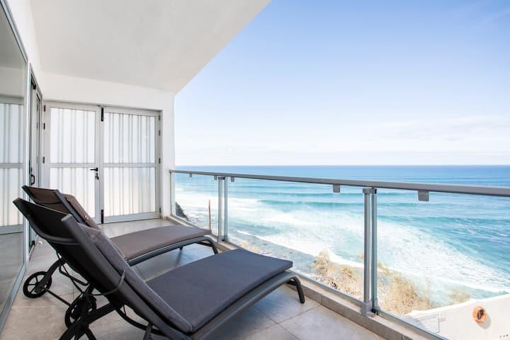 Las Olas Suite Bajamar-Tenerife: you and the ocean