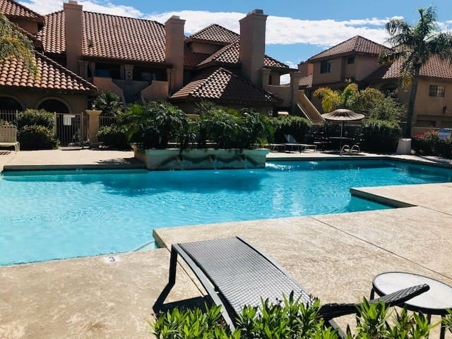 South Scottsdale Hideaway