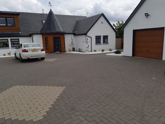 Private room in architect designed new build home