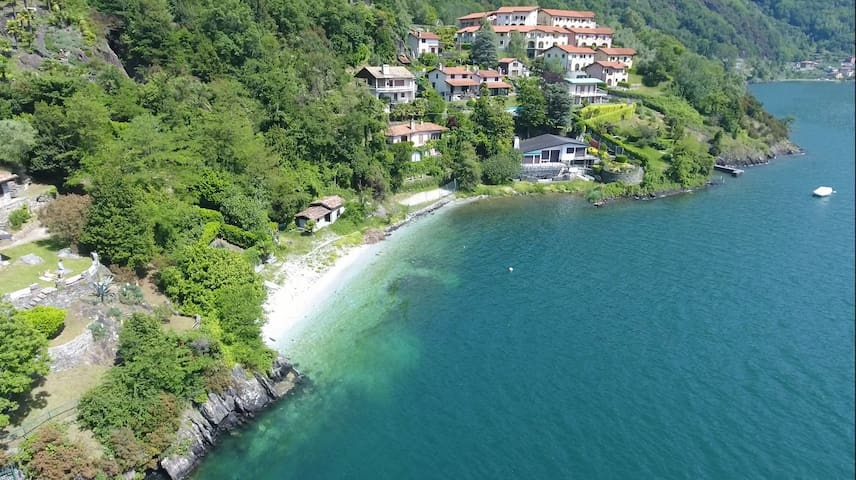 Holiday home with garden and beach at Lake Como!