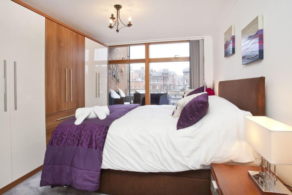 Master En-suite bedroom with river view