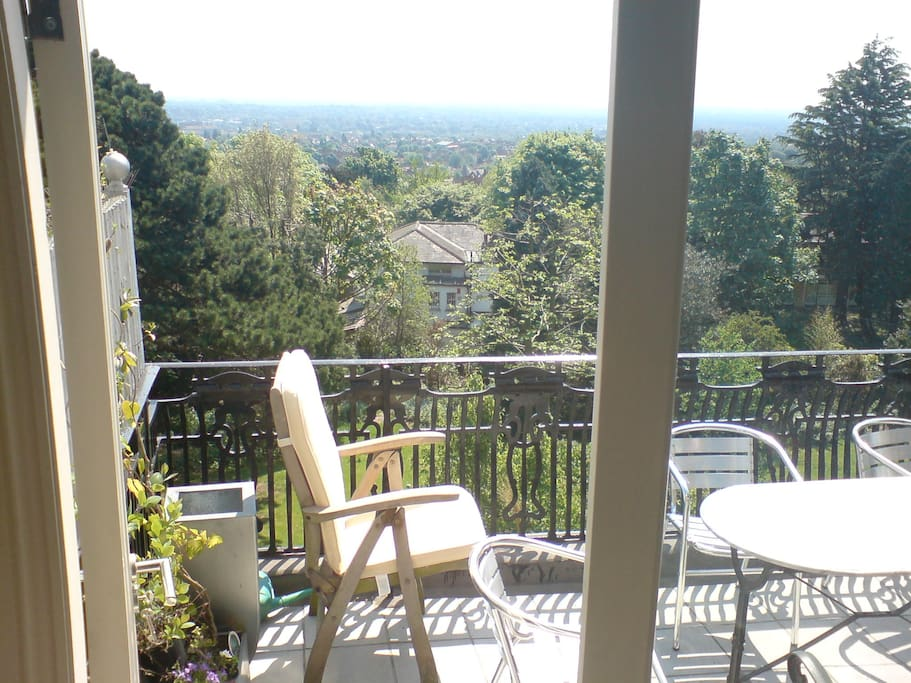 Sunny balcony with stunning view to south. Perfect for al fresco eating