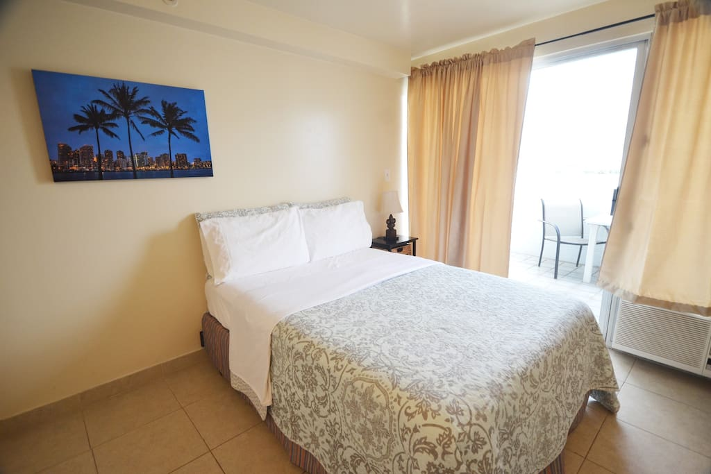 Double bed for solo travelers and couples