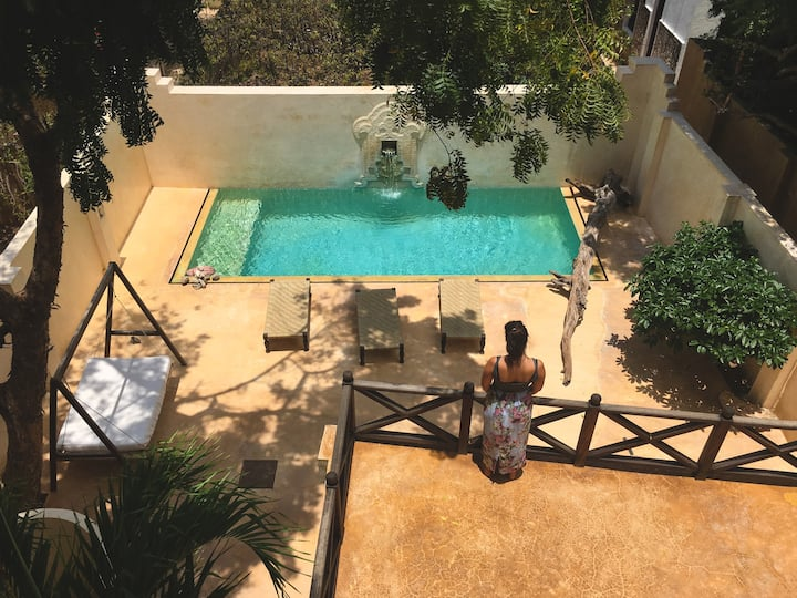 Pumbao House: A Stunning Villa With Swimming Pool!