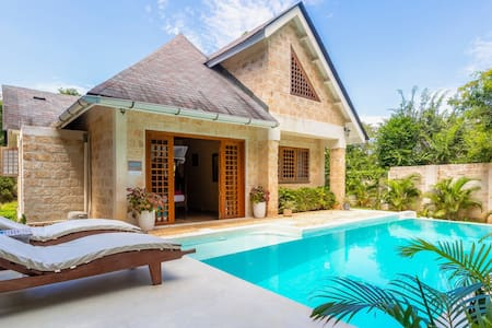 Exclusive two bedroom cottage with a private pool
