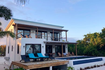 PRIVATE PARADISE: Beachfront home w/ pool & cook!