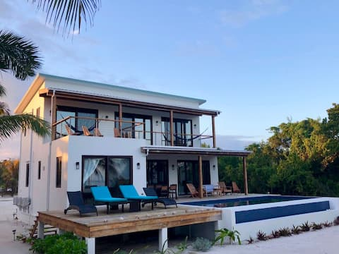 BEACHFRONT PRIVATE PARADISE house w/ pool & cook!