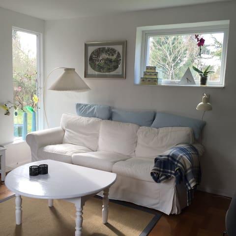 Charmerende hyggeligt sommerhus - Hundested - House