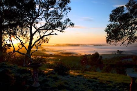 Adelaide Hills Retreat - Mount Torrens - Talo