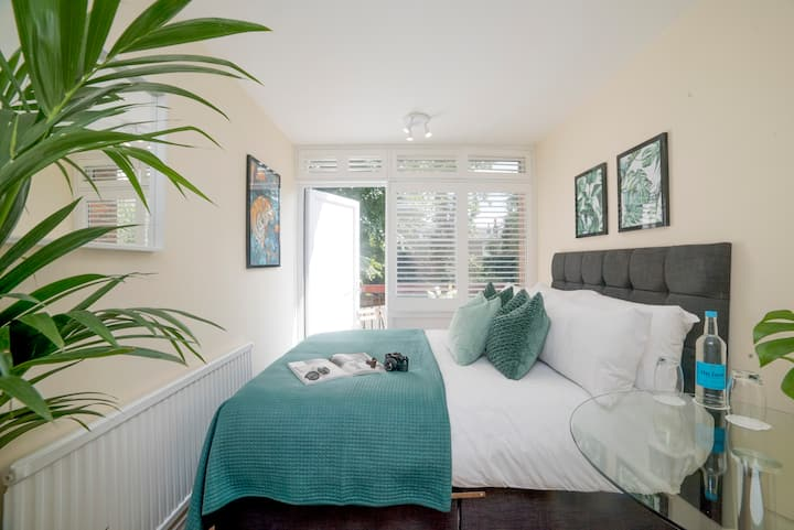🇬🇧 Clean Cosy Private Room - Near Station 🇬🇧