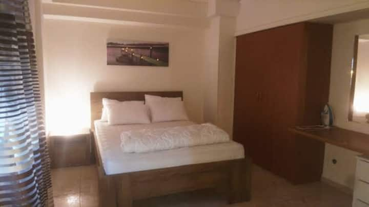 Fully furnished apartment in the city by Stratos!