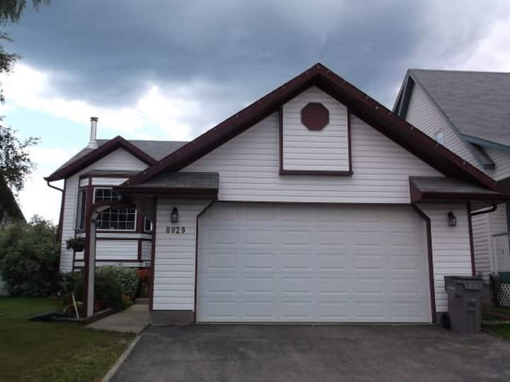 Large 6 Bed Furnished Crew or Family Home in GP