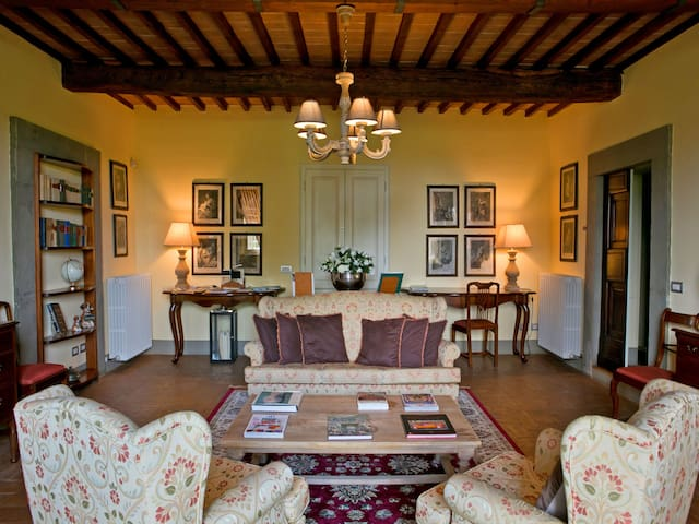 Charming Apartment for 4 guests in Lucca - Lucca - Apartment