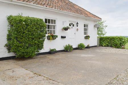 Josie's Cottage (UKC2072)