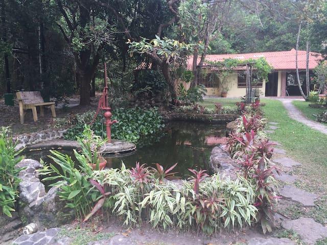 El valle family friendly guesthouse - Anton Valley - Rumah