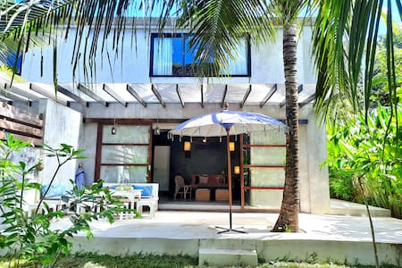 EL NIDO, Brand New 80sqm House, 6 guests w/ garden