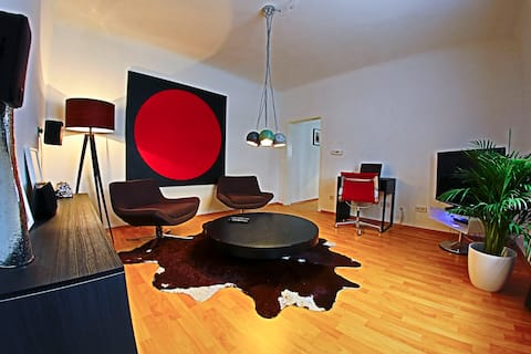 Unique Design and Art 2 Bedroom Apt  with Terrace