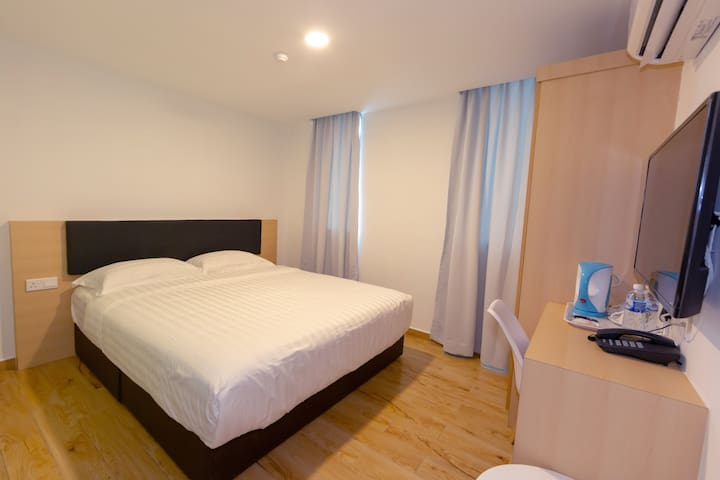 Melaka | Deluxe Queen Room.  [2 Pax]